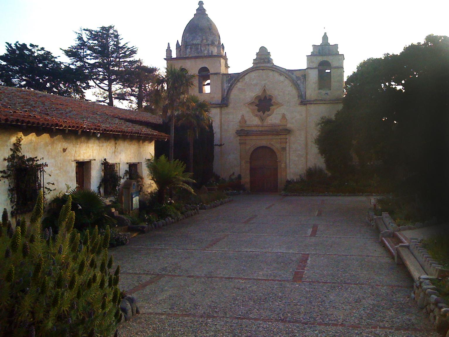 100408 Carmel Mission2.jpg