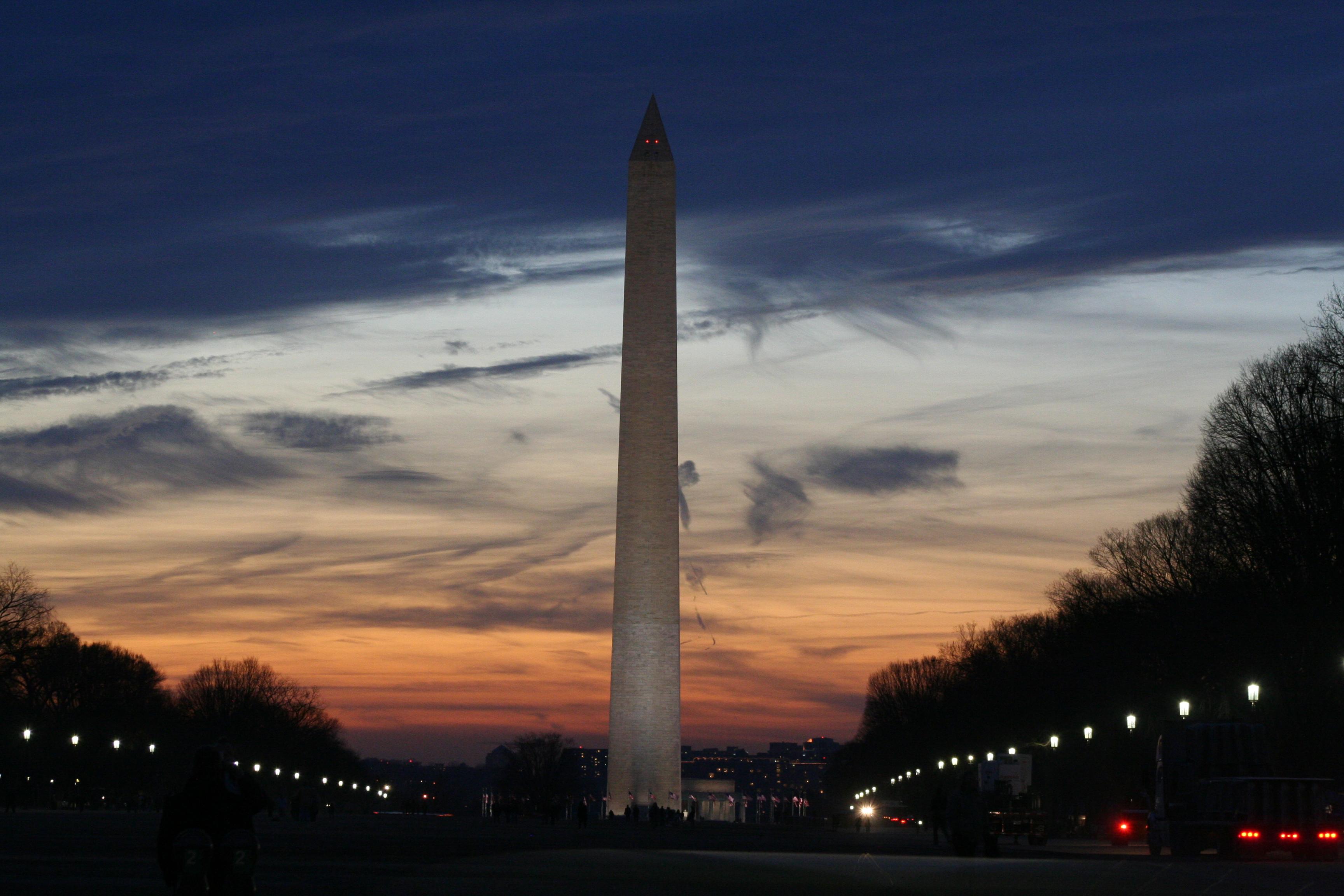 090123 Washington Monument at Night