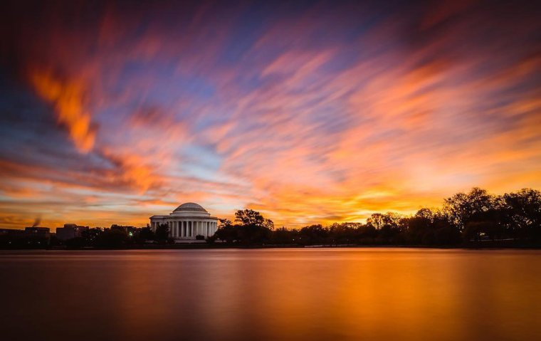 nickpalastro_brilliant-fall-sunrise-over-the-tidal-basin-jefferson-memorial_mydccool-via-crowdriff