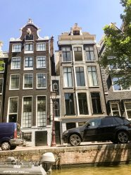 Architecture along the Herengracht in the 9 Streets